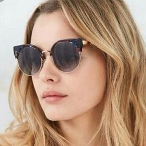 NWT UO goldendaze sunglasses